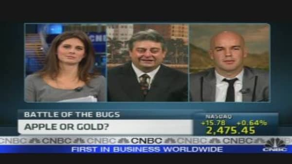 Battle of the Bugs: Apple of Gold?