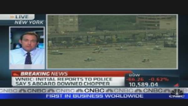 Chopper Crashes in New York River