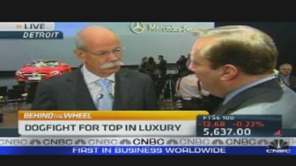 Mercedes Benz Dogfight for Top in Luxury