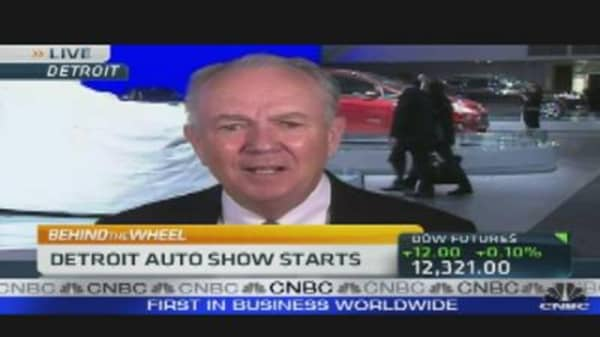 AutoNation CEO on Rising Car Sales