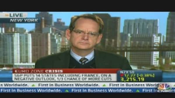 Decision on EFSF Rating Soon: S&P Exec