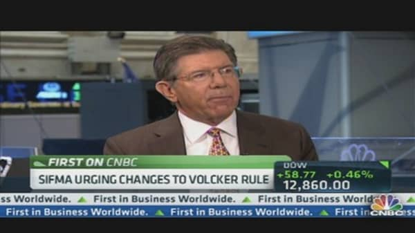 SIFMA Urges Changes to Volcker Rule