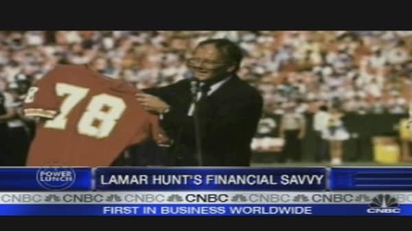 Lamar Hunt Dies