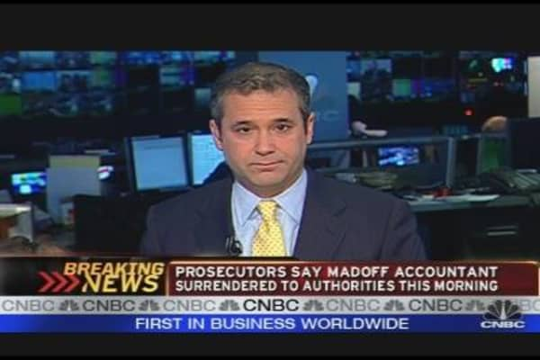 Madoff Accountant Charged With Fraud