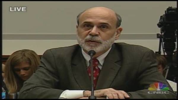 Bernanke Testifies on Economy, Monetary Policy
