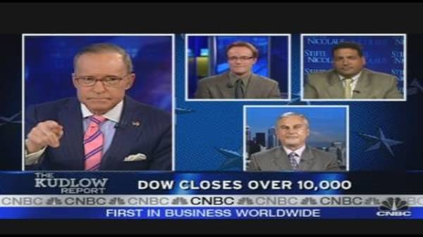 Dow Tops 10,000