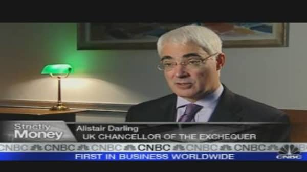 Bank Tax Plan Must Be International: UK's Darling