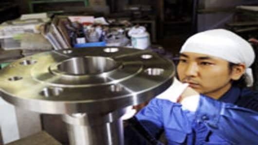 Japan-factory-worker_200.jpg