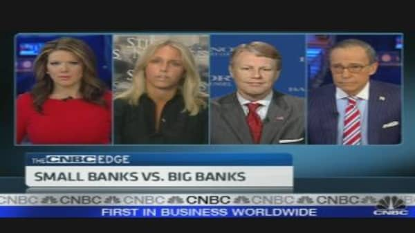 Big Banks vs. Small Banks