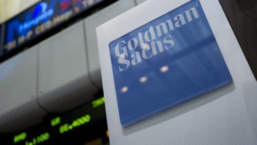 goldman-sachs-sign-2-140.jpg