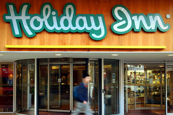 an analysis of holiday inn in 1942 Holiday inn is a british-owned american brand of hotels, and a subsidiary of intercontinental hotels group in reference to the 1942 christmas-themed.