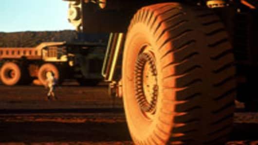 iron-ore-dump-truck_200.jpg