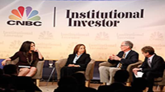 Michelle Caruso-Cabrera interviewing Afsaneh Beschloss, Jim Leech and Nathan Sandler.