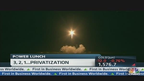 SpaceX Launches Rocket to Supply International Space Station