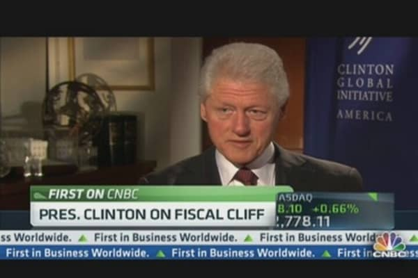 Here's What Bill Clinton Said About Extending Tax Cuts