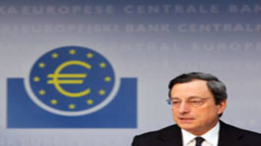 Draghi_Mario_euro-sign_200.jpg