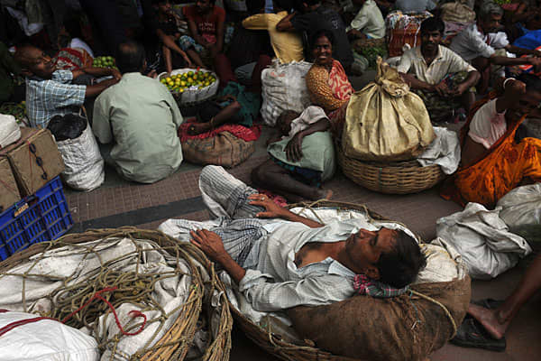 On Tuesday the blackout spread east to cities such as Kolkata.With millions of train passengers stranded on the tracks, railway operators dispatched several diesel locomotives to pull stranded trains from lines to main stations so that commuters could get access to food and water.