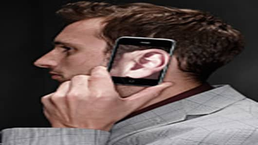 man-smartphone-ear-200.jpg