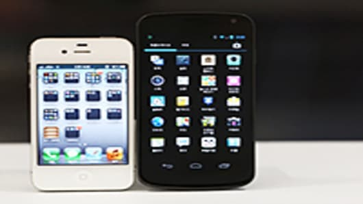 apple-samsung-1-200.jpg
