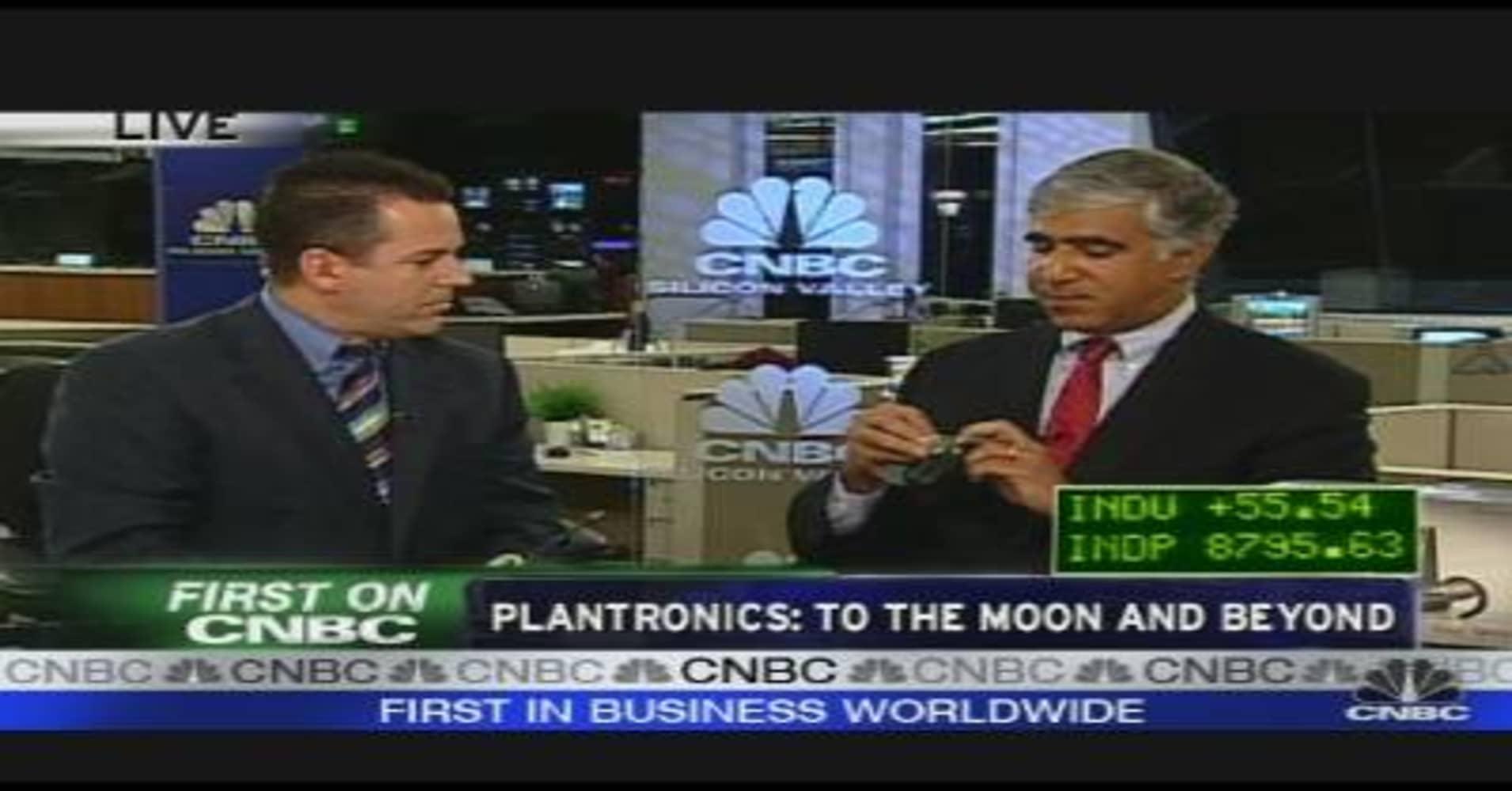 Headset-maker Plantronics explores potential sale: Reuters