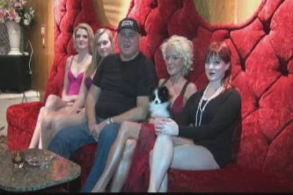 Bunny Ranch Brothel Supports Ron Paul