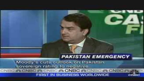 Moody's Cuts Pakistan's Ratings
