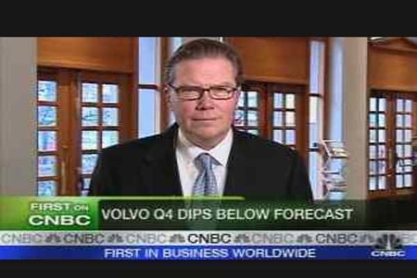 Volvo Earnings Dip Below Forecast