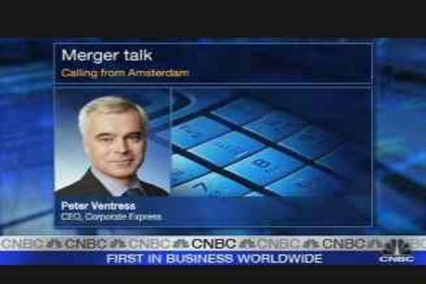 Corp. Express Shares Climb on Earnings
