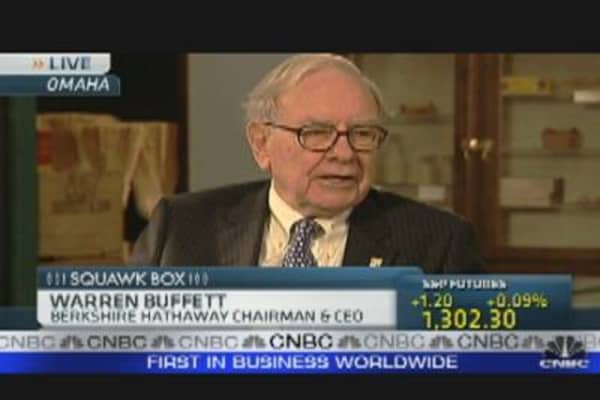 Buffett Prefers Stocks - Not Bonds