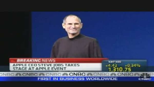 Jobs Appears at Apple iPad 2 Release