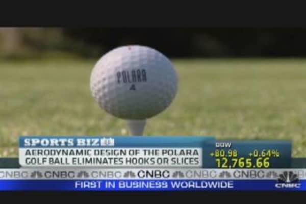 A Golf Ball That Guarantees a Straight Drive