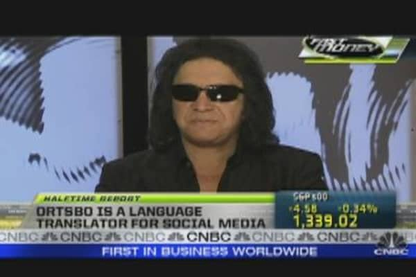 Gene Simmons Rocks Social Media