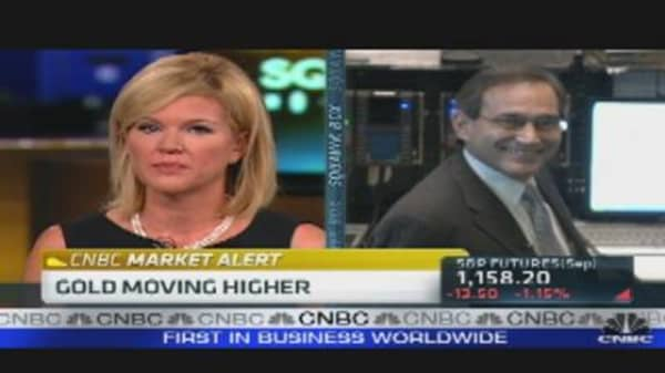 Santelli & Whitney Battle Over Munis