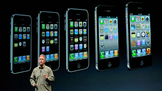 Philip 'Phil' Schiller, senior vice president of worldwide marketing at Apple Inc., speaks during an event in San Francisco, California, U.S., on Wednesday, Sept. 12, 2012. Apple Inc. unveiled the iPhone 5 in an overhaul aimed at widening its lead over Samsung Electronics Co. and Google Inc. in the $219.1 billion smartphone market.