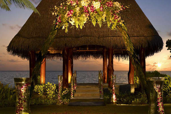 Where-the-wealthy-wed-maldives.jpg