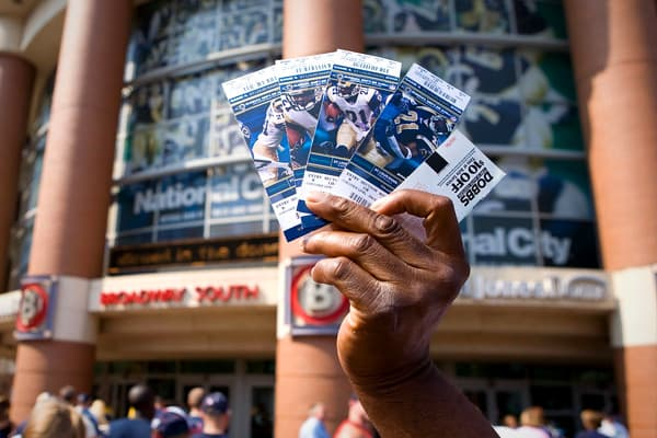Average cost: $78.38A single premium ticket to see the New York Giants in 2012 costs $ 464.75. However, Team Marketing Report bases its findings on average ticket prices, and in 2012 that runs at $78.38, or $313.53 for four.
