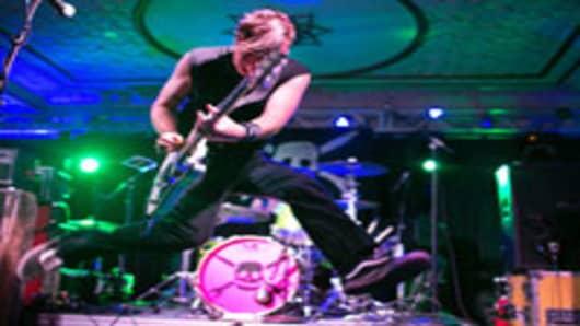 rock-metal-performer_200.jpg