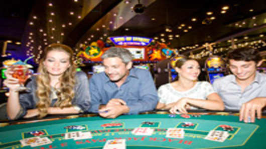 players-at-blackjack-table-200.jpg