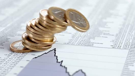 Euro coins tumble