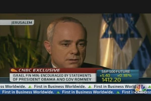 Israel Fin Min: We Need to Wave a Bigger Stick in Iran's Face
