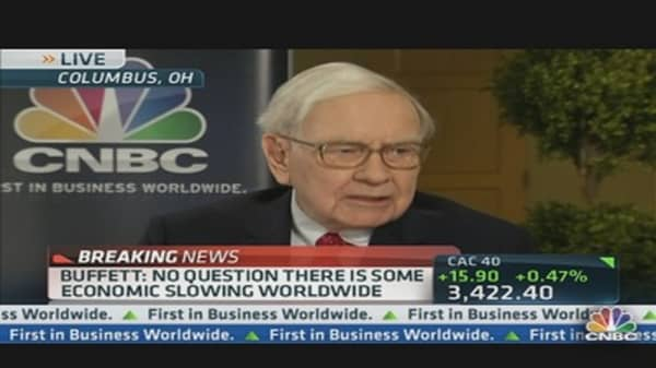Warren Buffett: Global Economy 'Slowing Down'