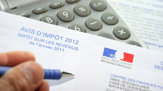 French tax forms.