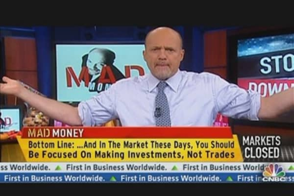 Cramer Coaches Investors Through Hurricane Sandy