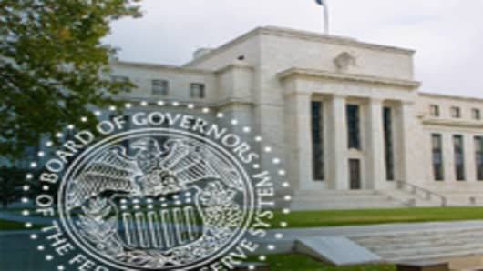 Fed Holding Firm With Help to Slow-Growth Economy