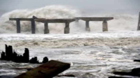 Sandy an 'Enormous Hit' to Economy: Ex-Fed Official