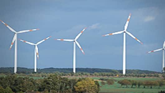 Vestas Cuts More Jobs as US Wind Power Struggles