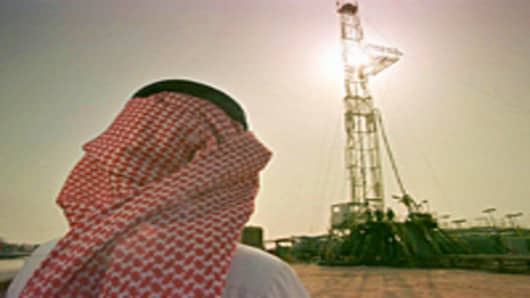 US to Overtake Saudi as Largest Oil Producer