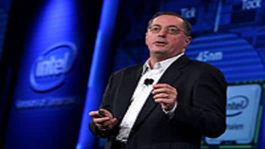 Intel's 'Bench', Strategy Right for Post-Otellini Era: Barrett