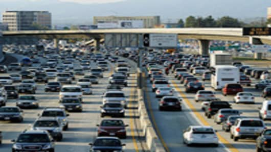 Thanksgiving Travel Surge Hits American Roads