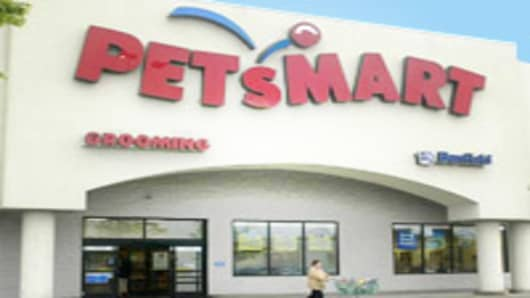 'Pet Parents' to Spend Big This Holiday Season: PetSmart CEO
